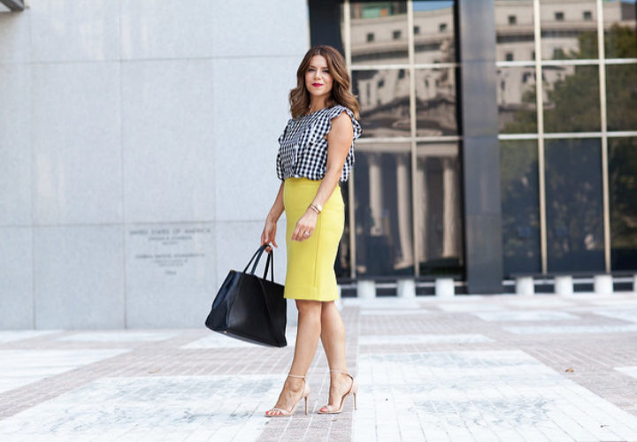 What to Wear to Work | Gingham + Pencil Skirt