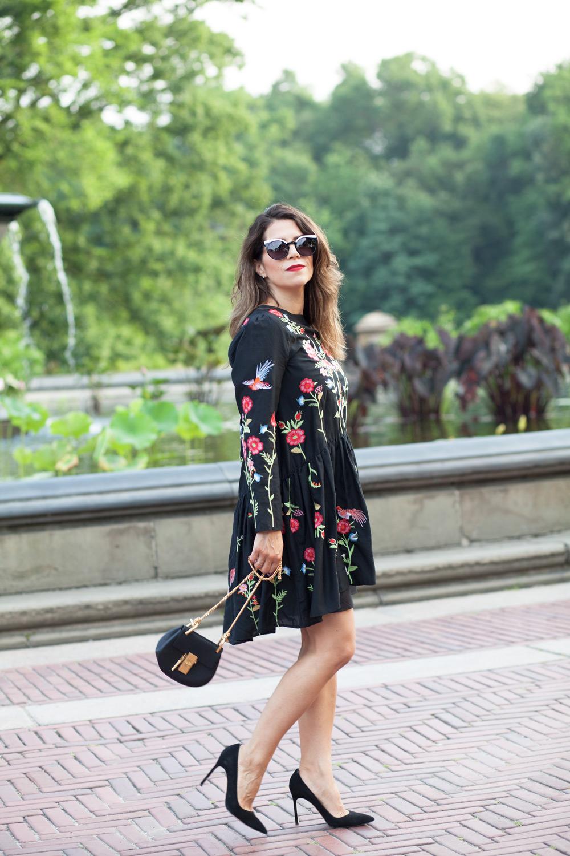 black-embroidered-zara-dress-black-manolo-blahnik-pumps-summer-look-date-night-style-chloe-drew-bag-black-cateye-sunglasses-casual-look-fashion-blogger-new-york-nyc-corporate-catwalk15