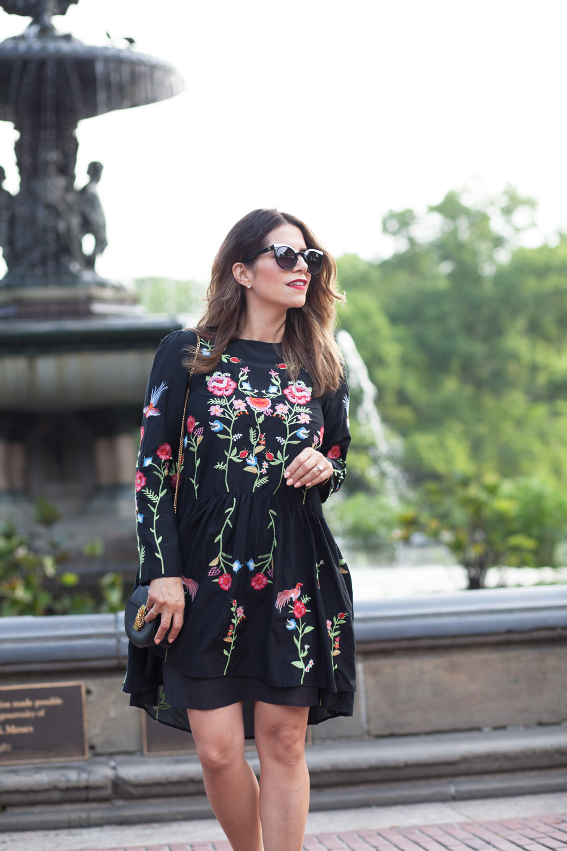 black-embroidered-zara-dress-black-manolo-blahnik-pumps-summer-look-date-night-style-chloe-drew-bag-black-cateye-sunglasses-casual-look-fashion-blogger-new-york-nyc-corporate-catwalk21