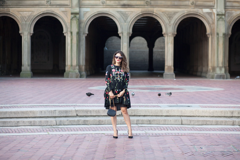 black-embroidered-zara-dress-black-manolo-blahnik-pumps-summer-look-date-night-style-chloe-drew-bag-black-cateye-sunglasses-casual-look-fashion-blogger-new-york-nyc-corporate-catwalk27