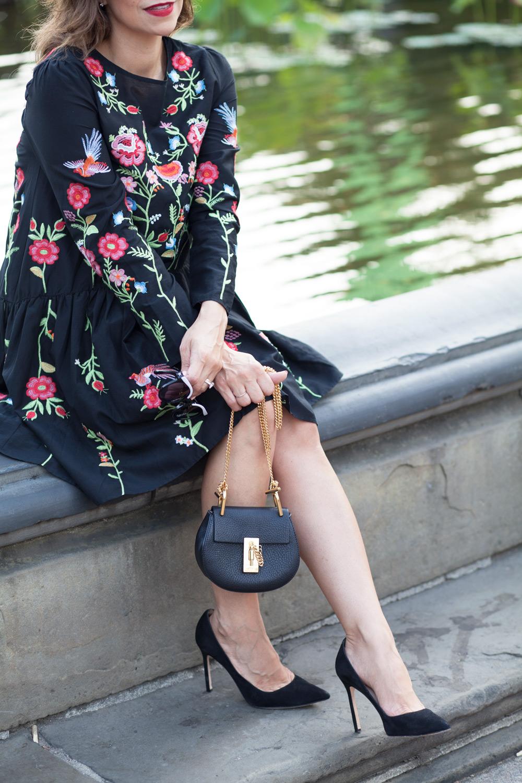 black-embroidered-zara-dress-black-manolo-blahnik-pumps-summer-look-date-night-style-chloe-drew-bag-black-cateye-sunglasses-casual-look-fashion-blogger-new-york-nyc-corporate-catwalk3