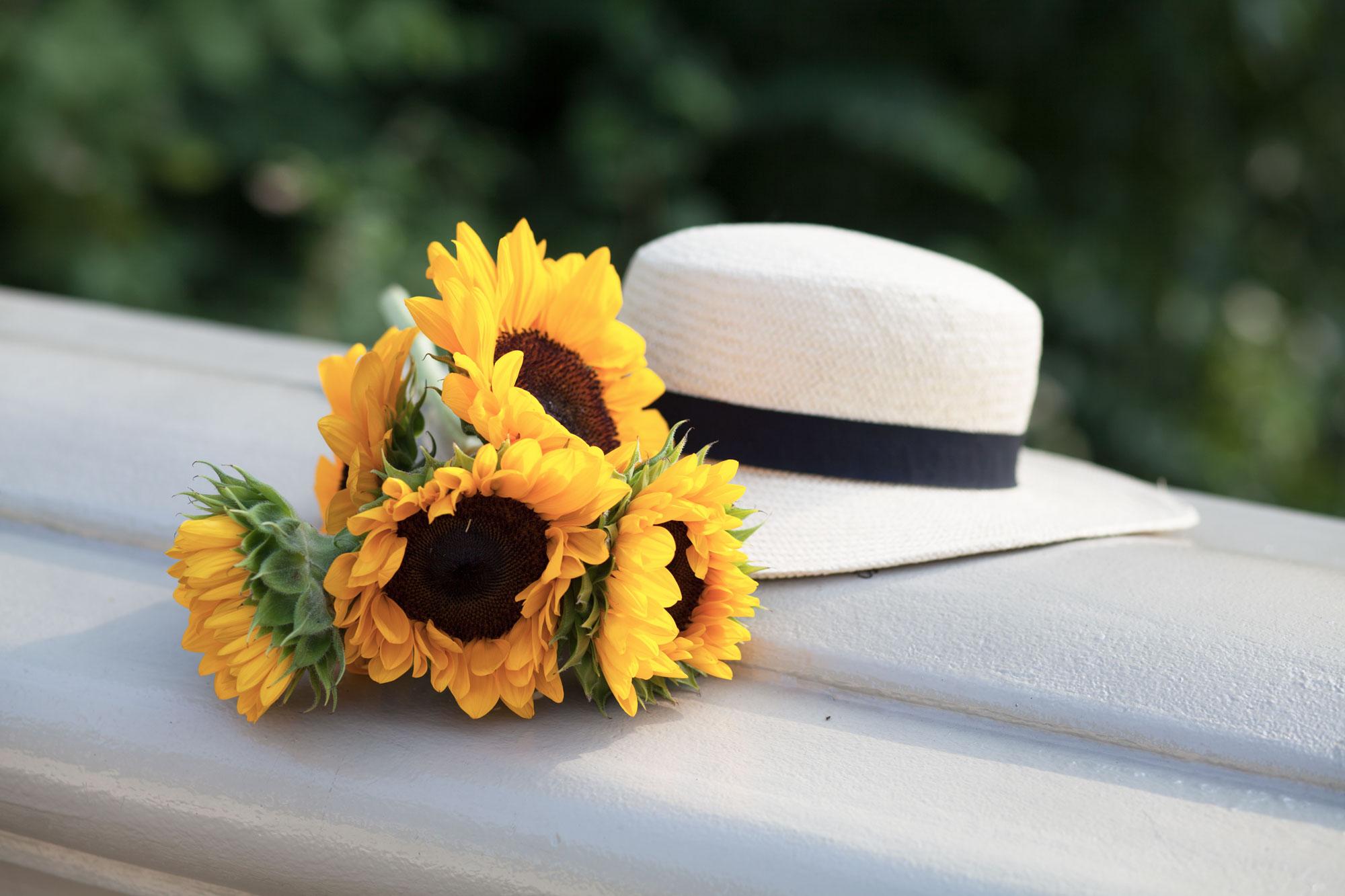 white-blazer-plaid-jcrew-dress-gold-sandals-straw-hat-casual-weekend-style-summer-fashion-blogger-blog-ny-new-york-corporate-catwalk10