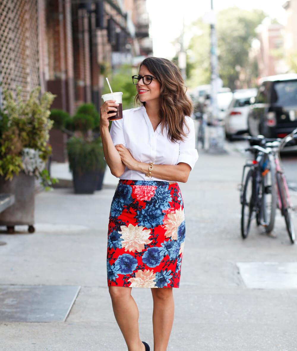 Talbots Dahlias Pencil skirt Blue Suede Heels Henri Bendel White Uptown Satchel Olivia Black Sunglasses Summer workwear look corporate style Corporate Catwalk