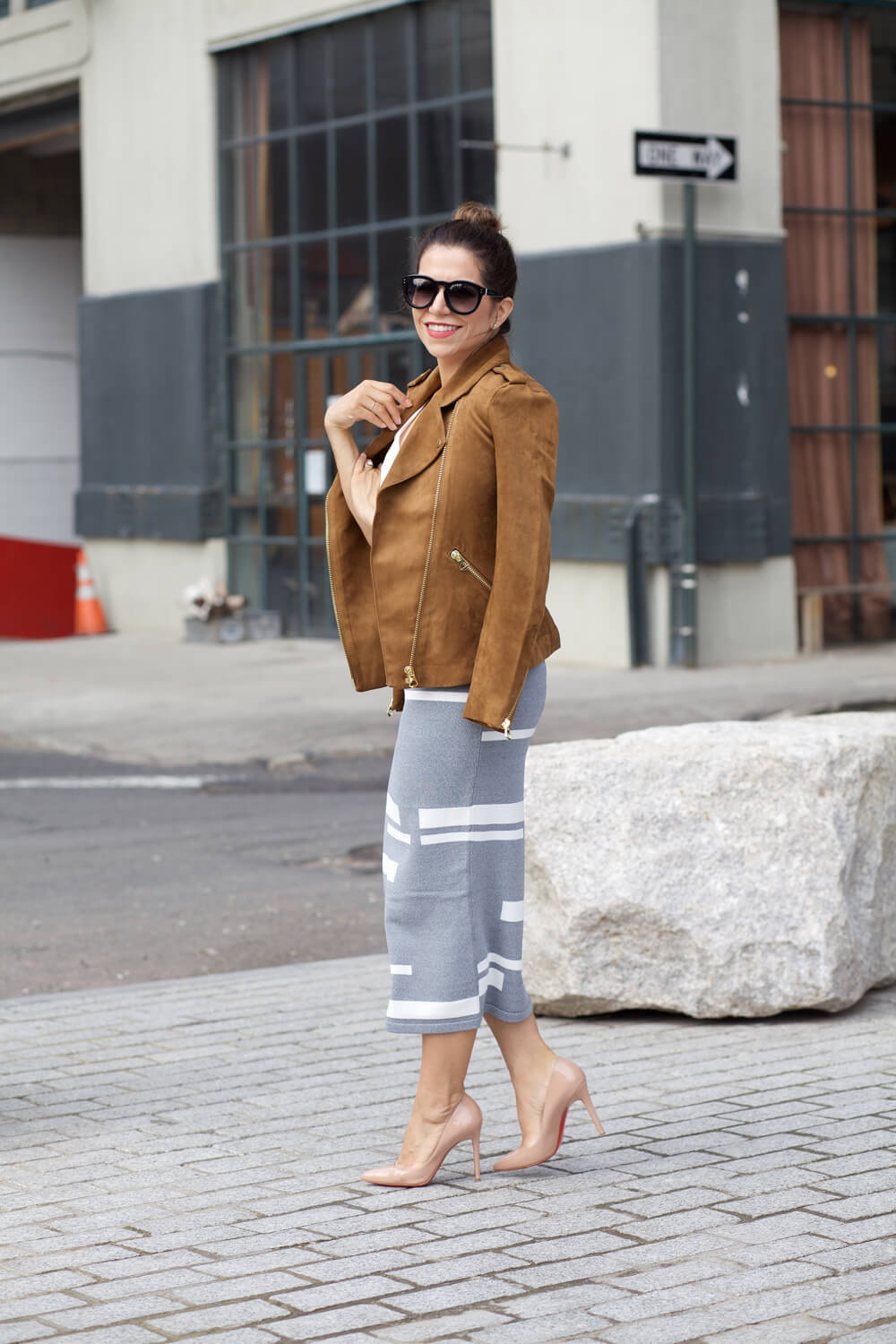 Hm faux suede jacket pencil skirt nude heels white cami black sunglasses chloe black mini drew dumbo corporate catwalk fall outfit ideas