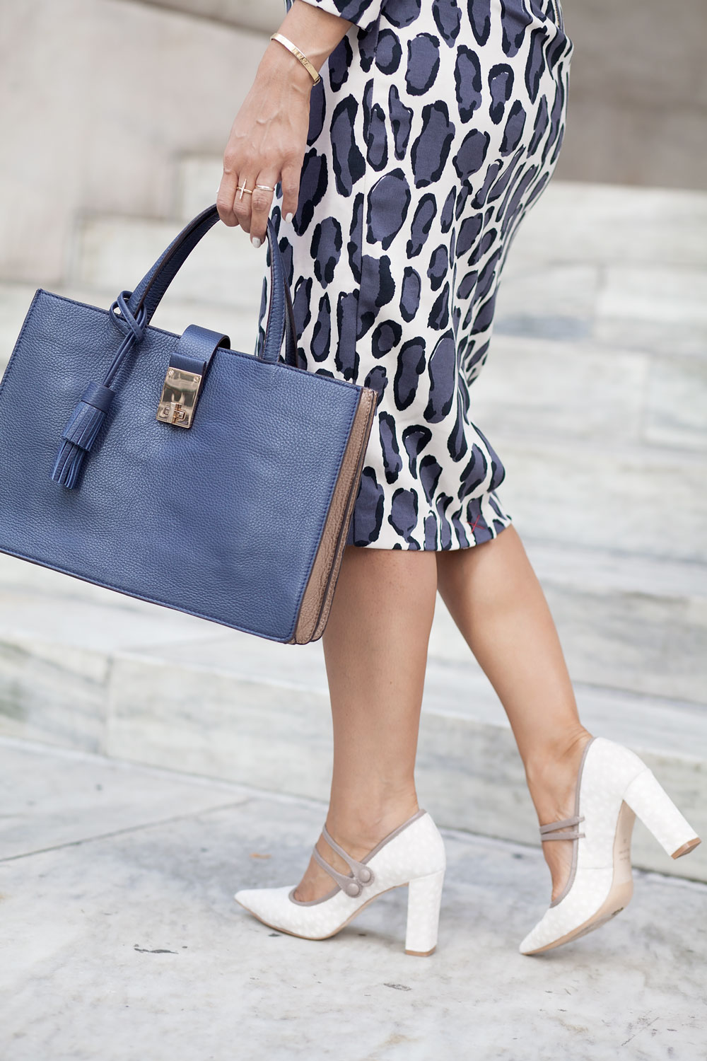 boden-leopard-dress-bodycon-dress-handbag-colorblock-calf-hair-heels-corporate-catwalk-nyfw-what-to-wear-to-work-fashion-blogger-nyc-new-york-city-blogger-3