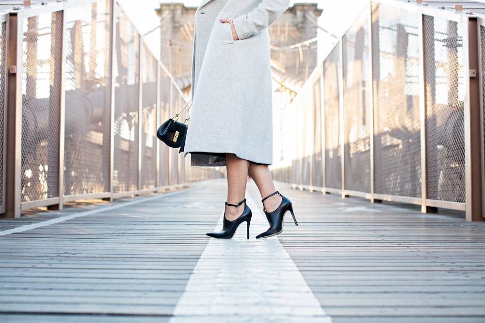 brooklyn-bridge-club-monaco-grey-wool-coat-black-dress-chloe-drew-bag-schutz-shoes-booties-new-york-city-corporate-catwalk-nyc-fashion-blogger-14