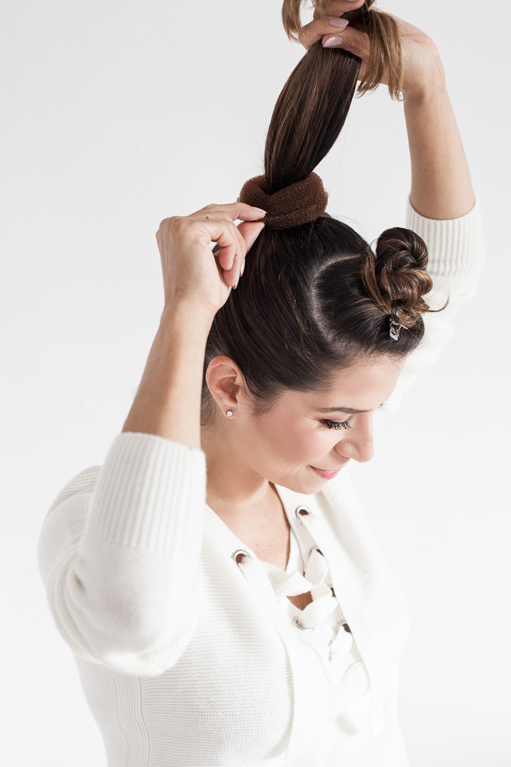 hair-tutorial-top-bun-work-hair-ideas-medium-hair-tutorials-how-to-make-the-perfect-bun2