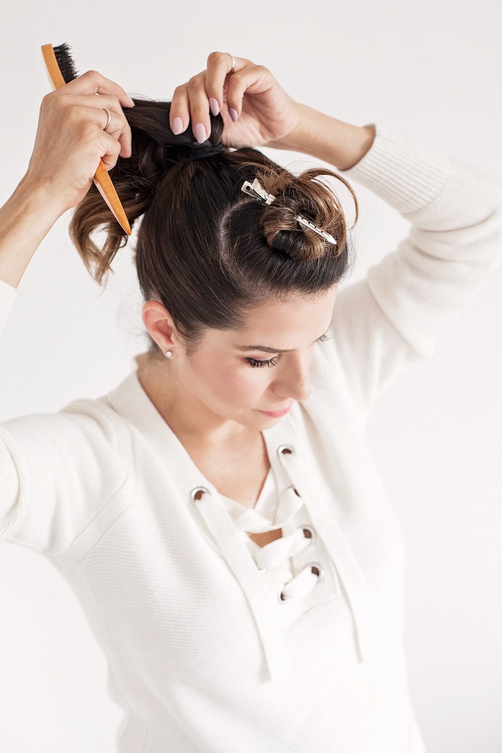 hair-tutorial-top-bun-work-hair-ideas-medium-hair-tutorials-how-to-make-the-perfect-bun4