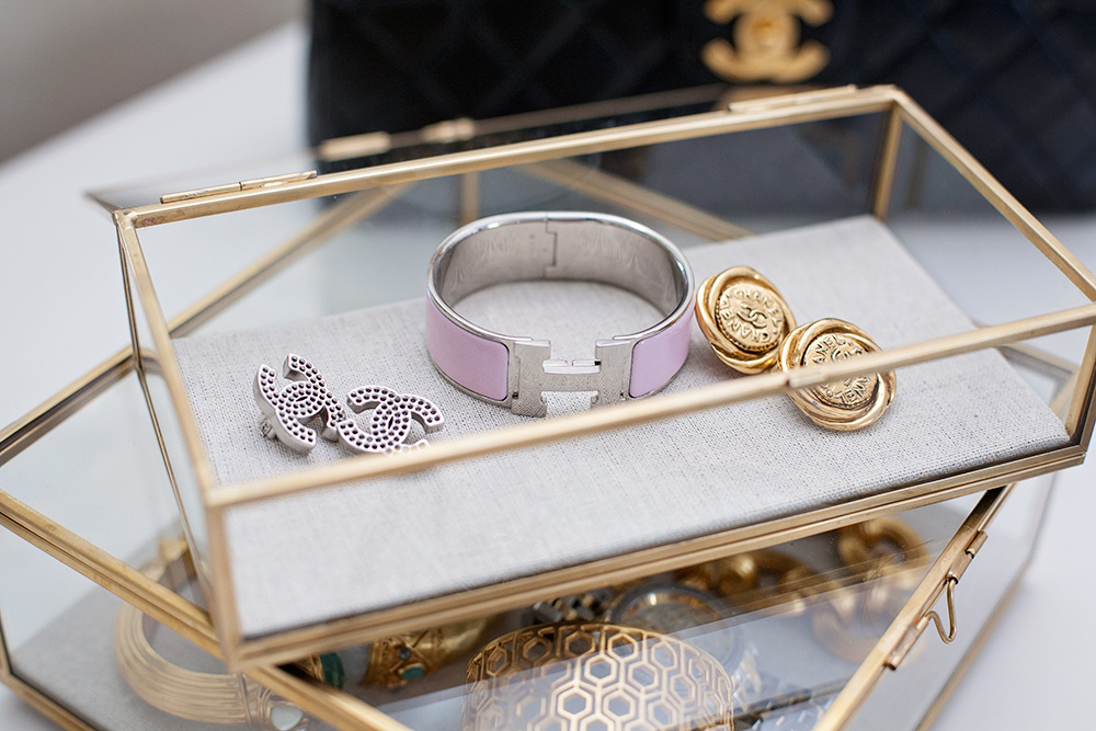 Switch designer jewerly chancel vintage earrings hermes logo bracelet how to rent designer jewelry