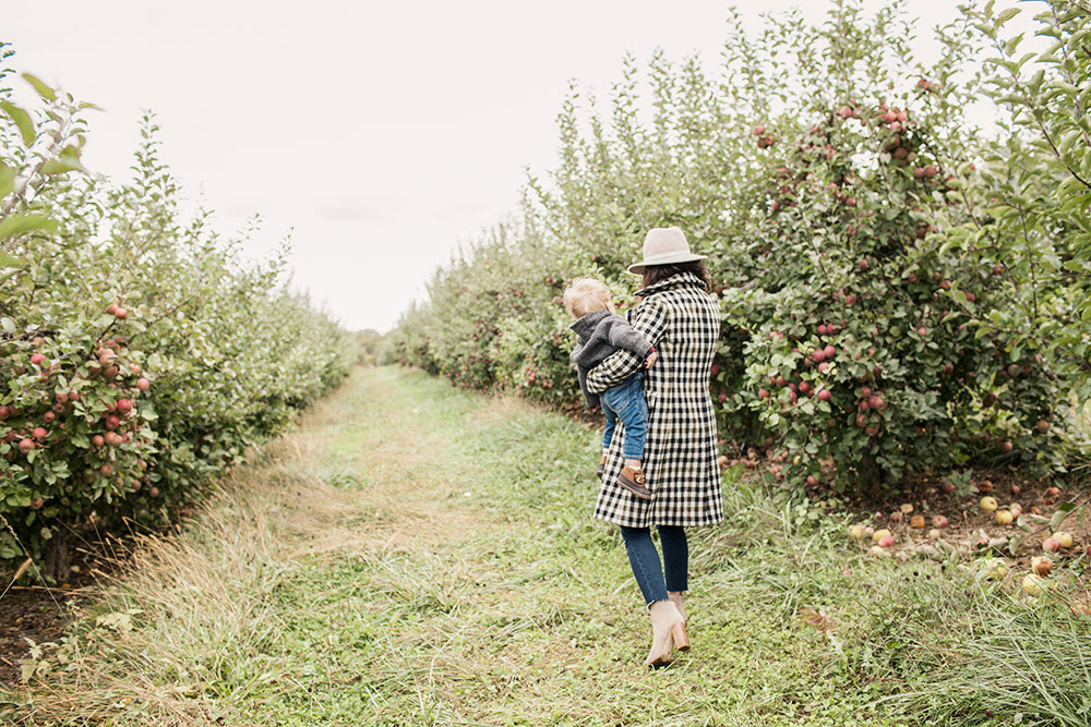 Family Trip Apple Orchard New York Fall Fashion Blogger What to Wear in Fall Sweater Denim Club Monaco J.crew Coat