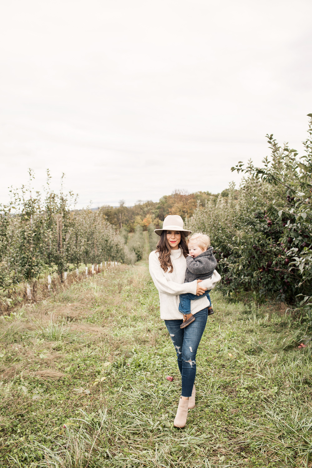 Family Trip Apple Orchard New York Fall Fashion Blogger What to Wear in Fall Denim Sweater Club Monaco Hat